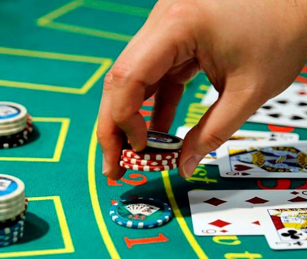 Первое знакомство с покером: инструкция для начинающих играть в покер